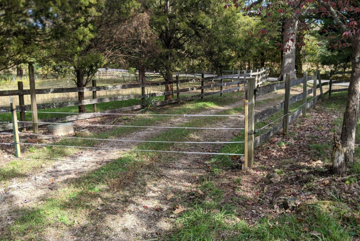 driveway-gate-00.smaller